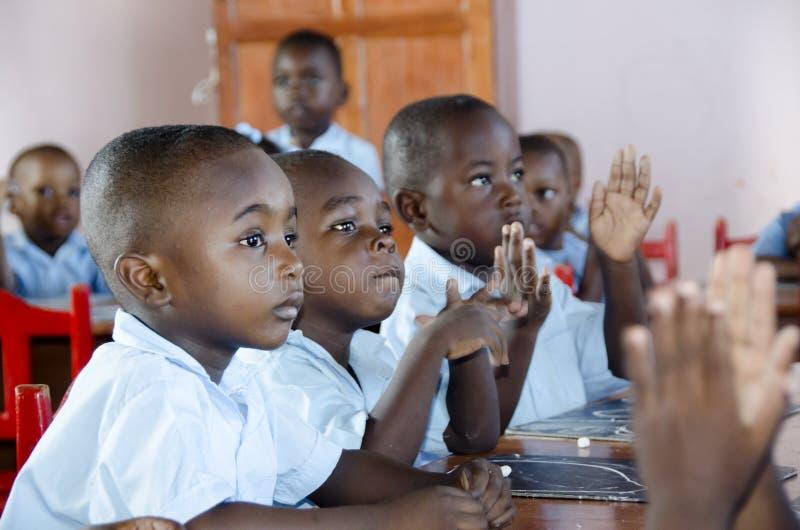 Écoliers en le Haïti images libres de droits