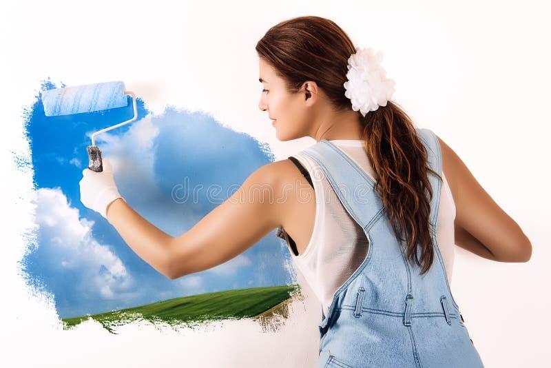 Écologiste Mural Painting sur le mur. Décor avec la peinture acrylique images libres de droits