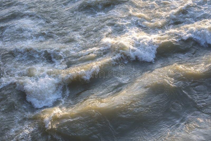 Écoulement d'eau sale photographie stock libre de droits