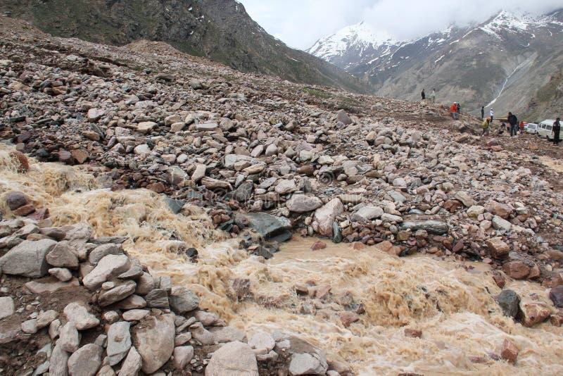Écoulement de boue dans les montagnes photographie stock