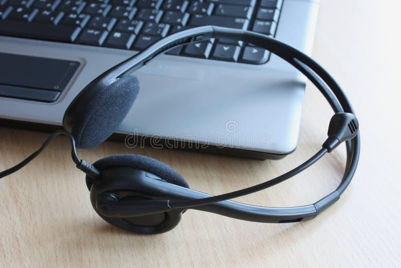Écouteurs de multimédia image libre de droits