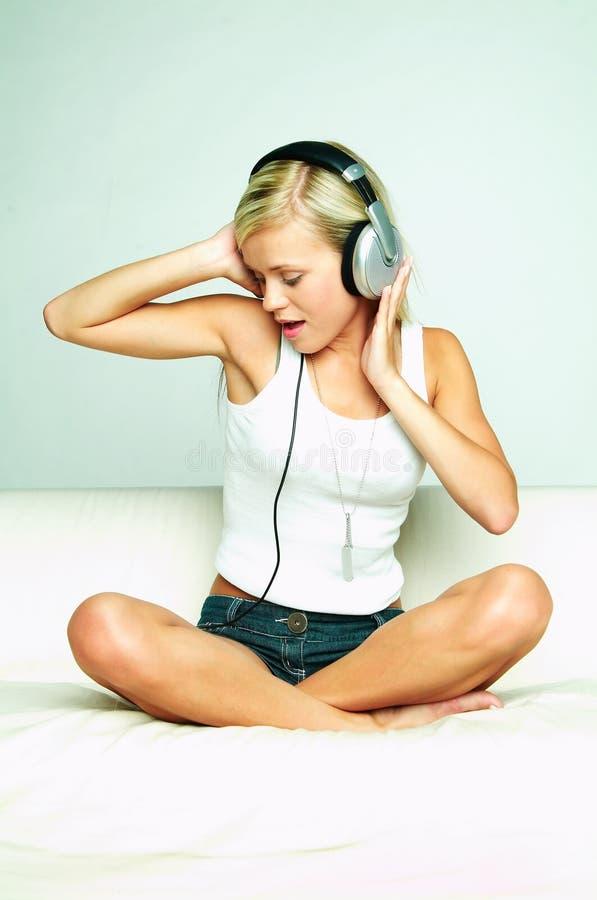 Écoutez la musique image stock
