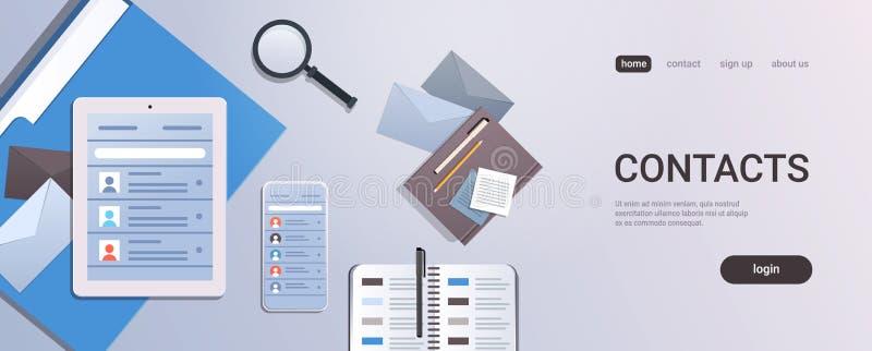 Écran et organisateur de comprimé de Smartphone avec le bureau de lieu de travail de vue d'angle supérieur de concept de contacts illustration de vecteur