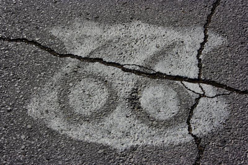 Écran protecteur de l'artère 66 sur l'asphalte image stock