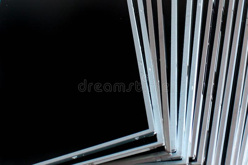 Écrans d'affichage à cristaux liquides et de TFT Les moniteurs d'ordinateur affichage des panneaux photographie stock libre de droits