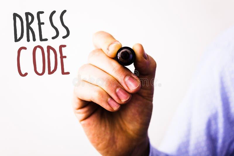 Écriture conceptuelle de main montrant code vestimentaire Les photos d'affaires textotent des règles de ce que vous pouvez porter photos stock