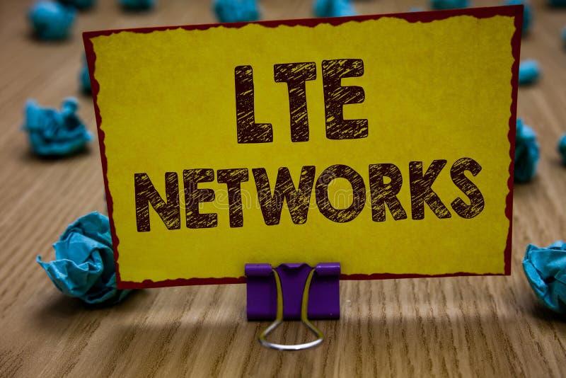 Écriture conceptuelle de main montrant des réseaux de Lte Connexion réseau la plus rapide de présentation de photo d'affaires dis photographie stock libre de droits