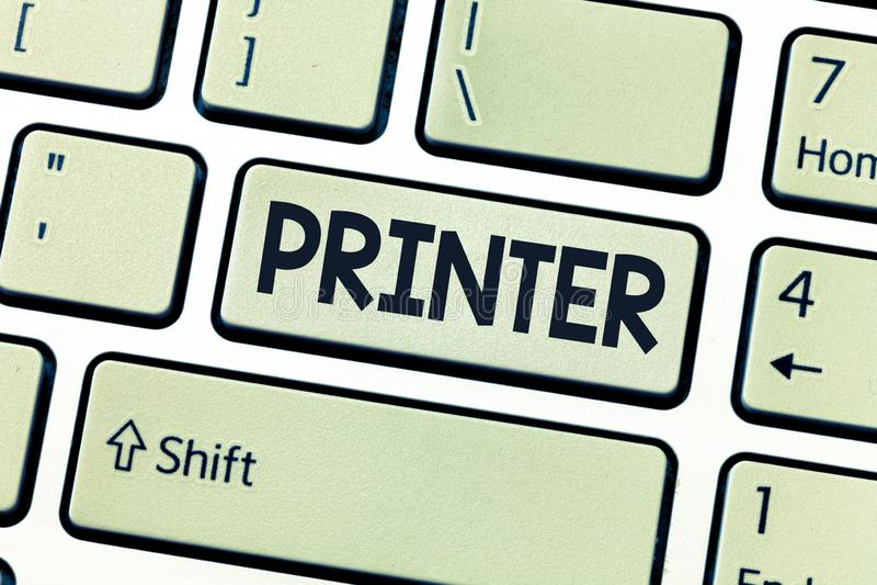 Écriture conceptuelle de main montrant l'imprimante Dispositif de présentation de photo d'affaires utilisé pour imprimer des chos photo libre de droits