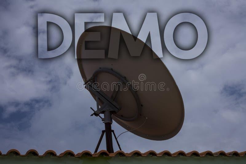 Écriture conceptuelle de main montrant la démo Prévision d'essai de Beta Version Free Test Sample des textes de photo d'affaires  photographie stock libre de droits
