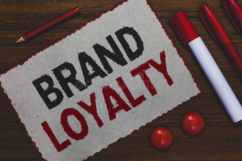 Écriture conceptuelle de main montrant la fidélité à la marque L'Ambassadeur de présentation Patronage Favorite d'achat de répéti photos stock