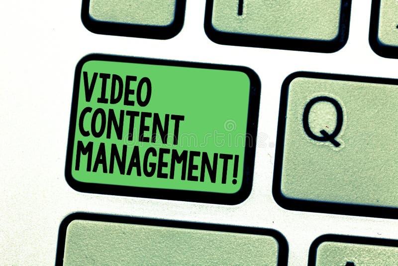 Écriture conceptuelle de main montrant la gestion de contenu visuelle L'évaluation des textes de photo d'affaires d'un s individu photographie stock libre de droits
