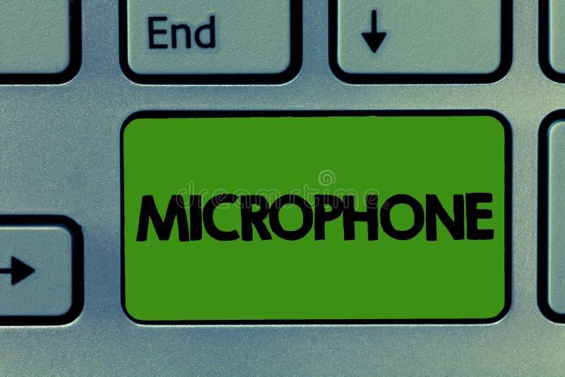 Écriture conceptuelle de main montrant le microphone L'instrument de présentation de photo d'affaires pour convertir le bruit sal image libre de droits