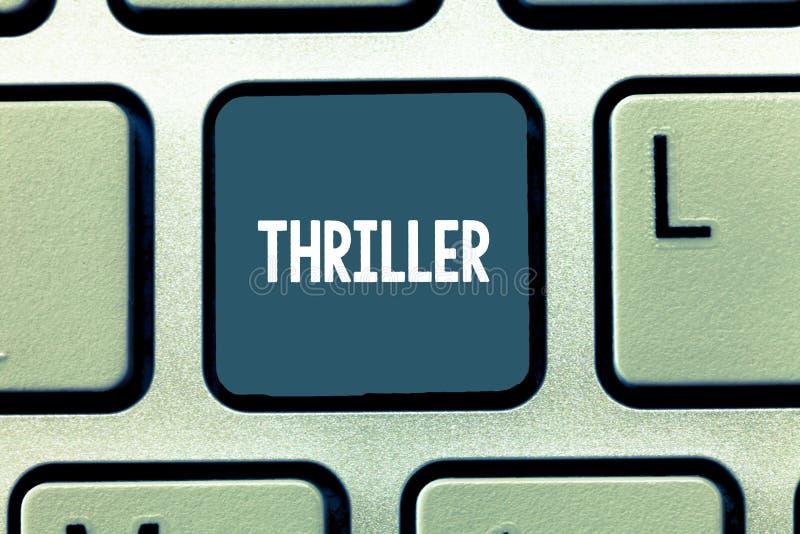 Écriture conceptuelle de main montrant le thriller Photo d'affaires présentant le jeu ou le film nouveau avec exciter le complot  image libre de droits
