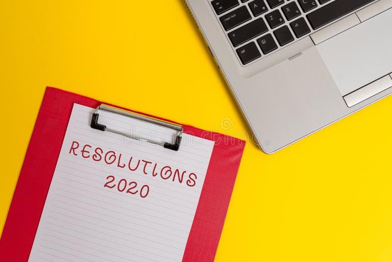 Écriture conceptuelle de main montrant les résolutions 2020 La liste des textes de photo d'affaires de choses souhaite être entiè image libre de droits