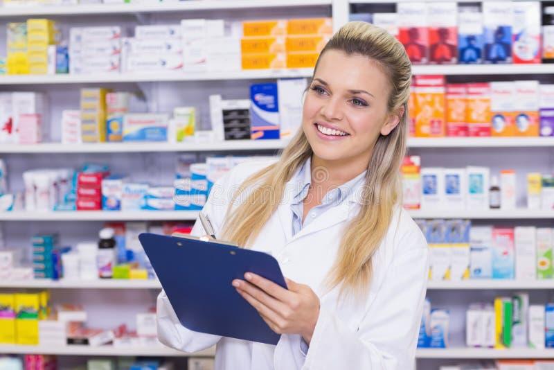 Écriture d'interne de pharmacie sur le presse-papiers images stock