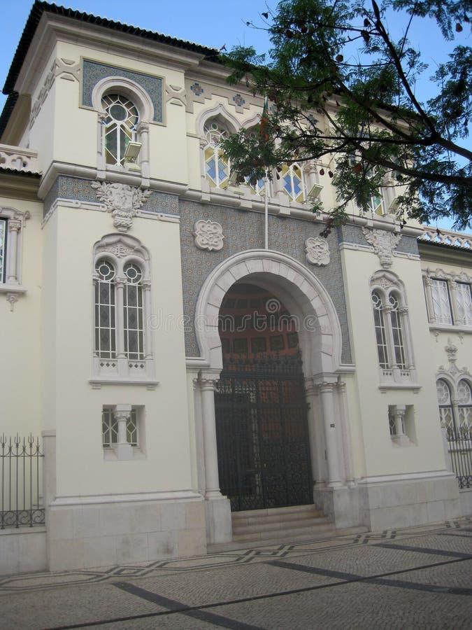 Édifice bancaire dans le style oriental Vieille ville de Faro photos libres de droits