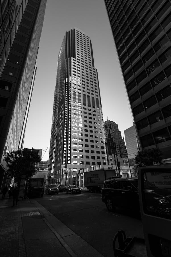 Édifices hauts dans le secteur financier du ` s de San Francisco photographie stock libre de droits