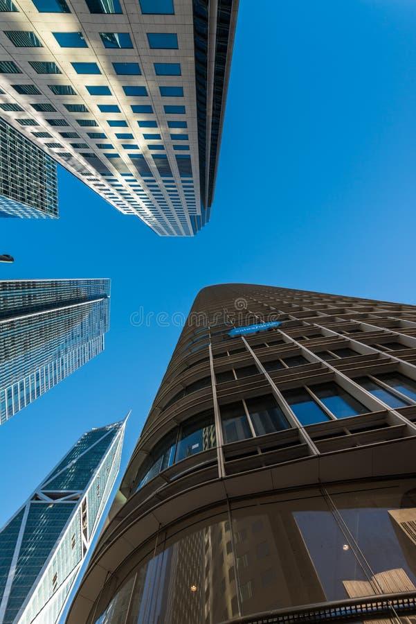 Édifices hauts dans le secteur financier du ` s de San Francisco images stock