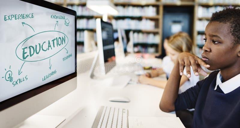 Éducation apprenant le concept d'universitaires photographie stock libre de droits