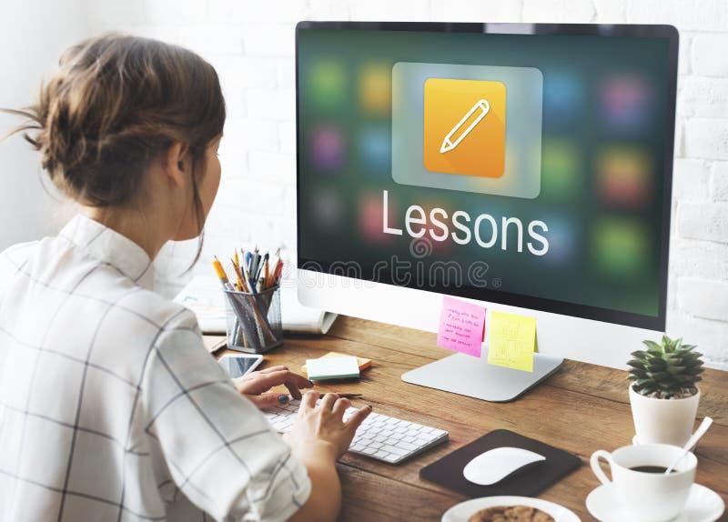 Éducation en ligne d'icône de crayon apprenant le concept graphique images libres de droits