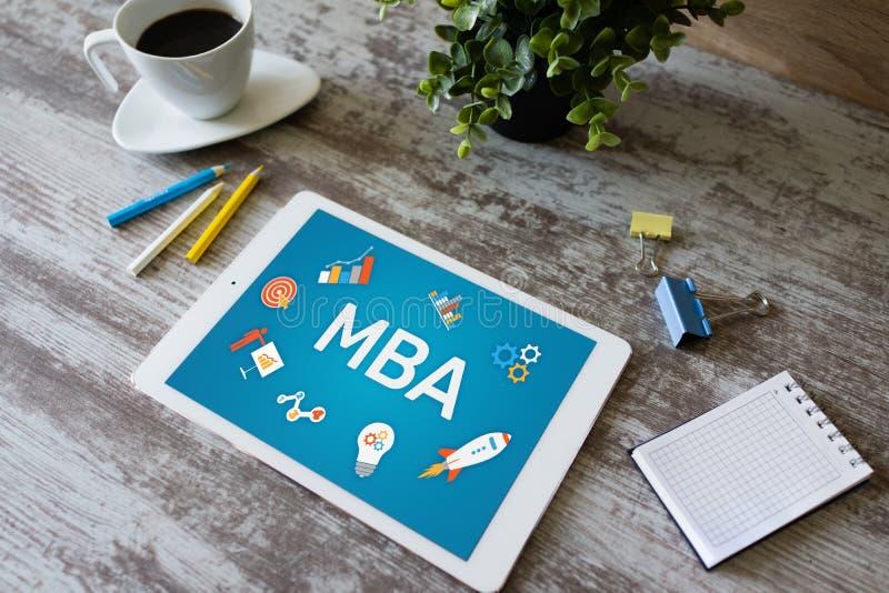 Éducation principale de gestion de MBA apprenant la croissance d'apprentissage en ligne d'étude et le développement de la vie pro photo stock