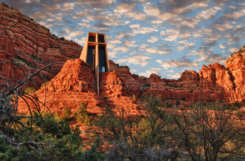 Église à la roche de cathédrale photo libre de droits