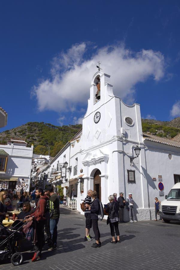 Église à Mijas dans les montagnes au-dessus de Costa del Sol en Espagne image stock