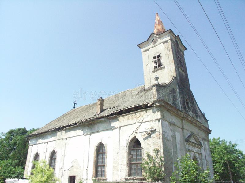 Église évangélique ruinée en Serbie photo stock