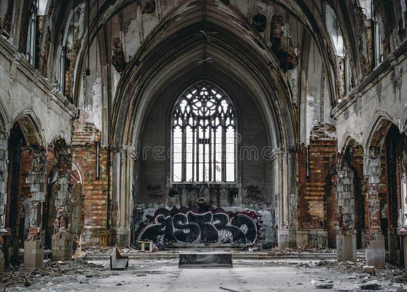 Église abandonnée images stock