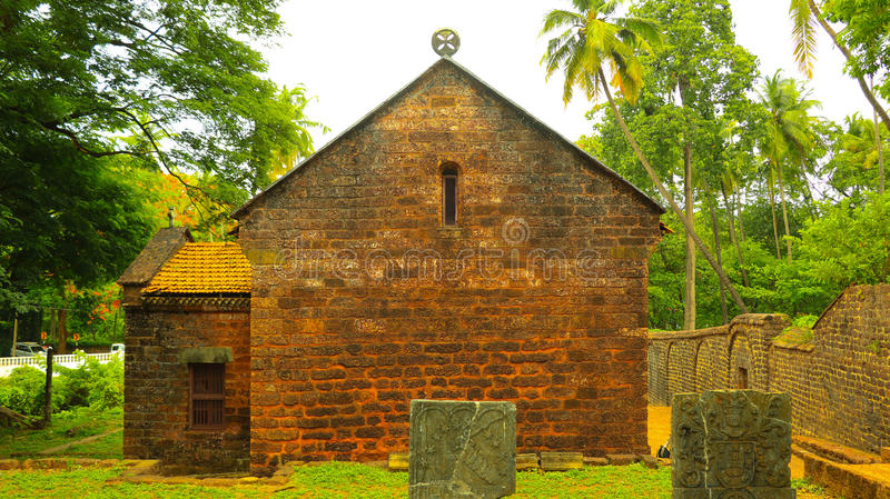Église antique dans le vieux goa photographie stock libre de droits