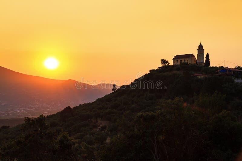 Église au coucher du soleil photo stock