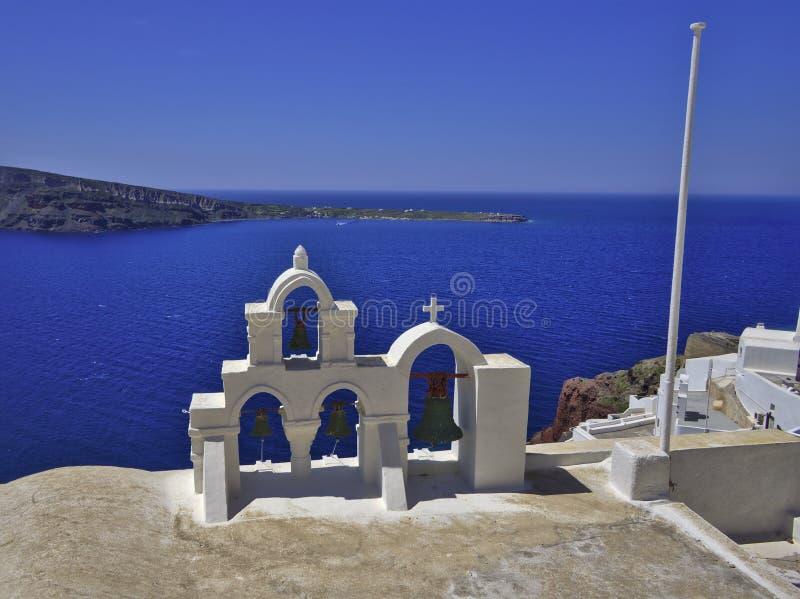 Église Bells de Santorini image libre de droits