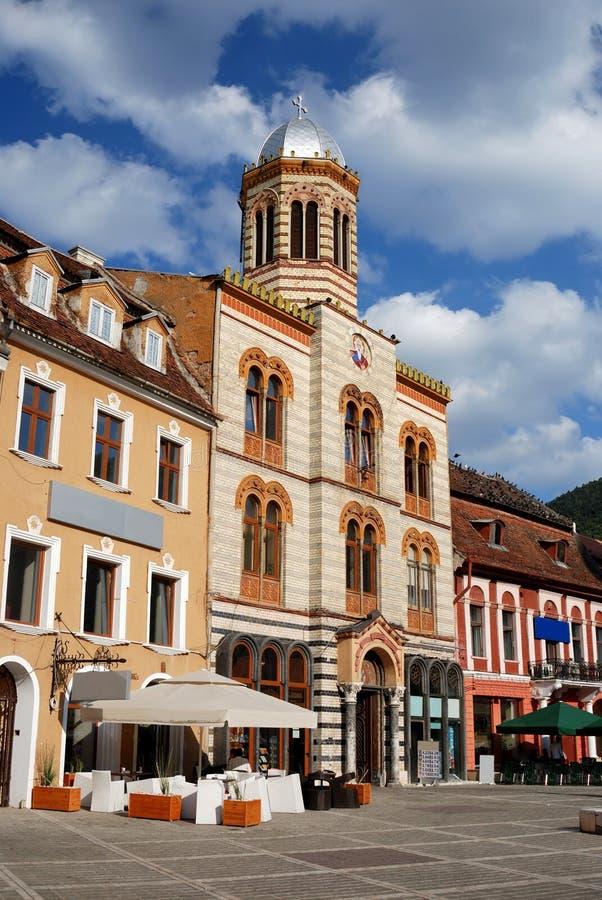 Église bizantine de type dans la ville de Brasov, Roumanie photographie stock