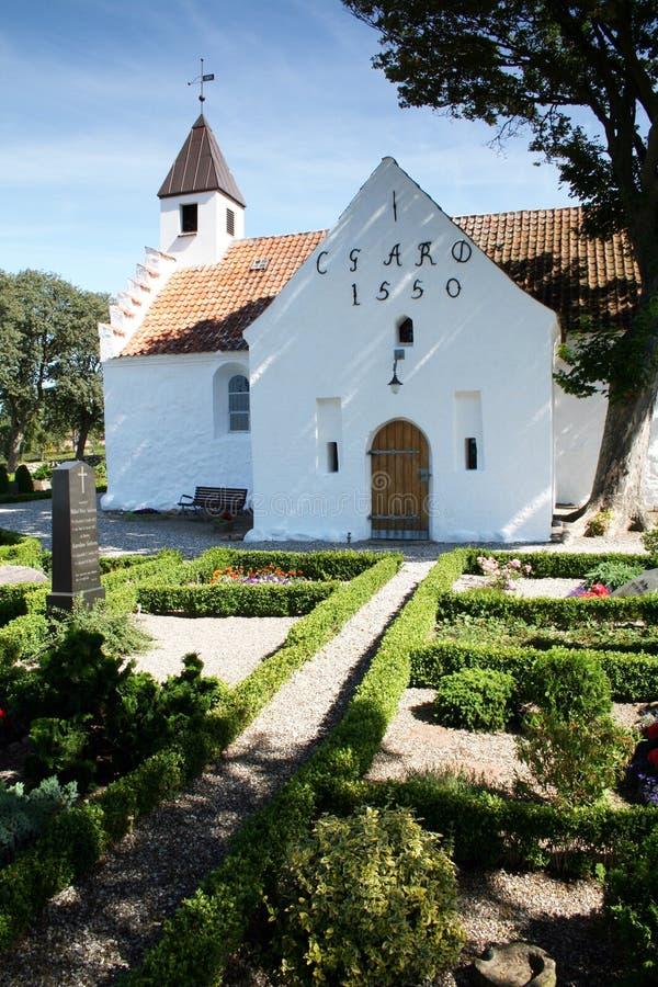 Église blanche de 1550 image libre de droits