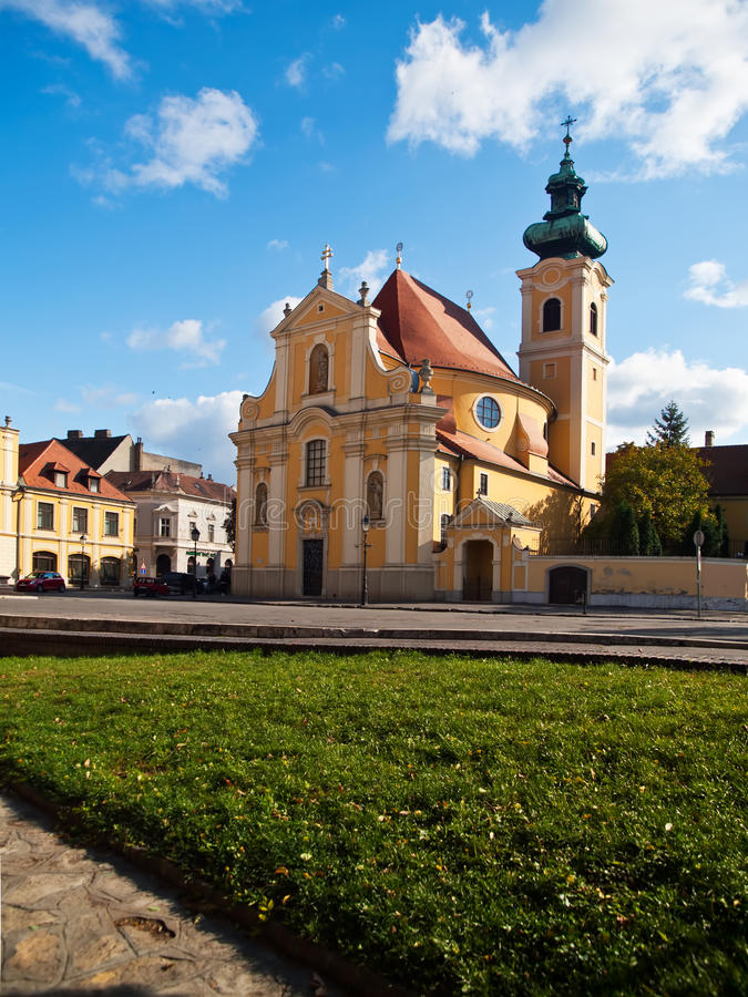 Église carmélite dans la ville de Gyor, Hongrie photos stock