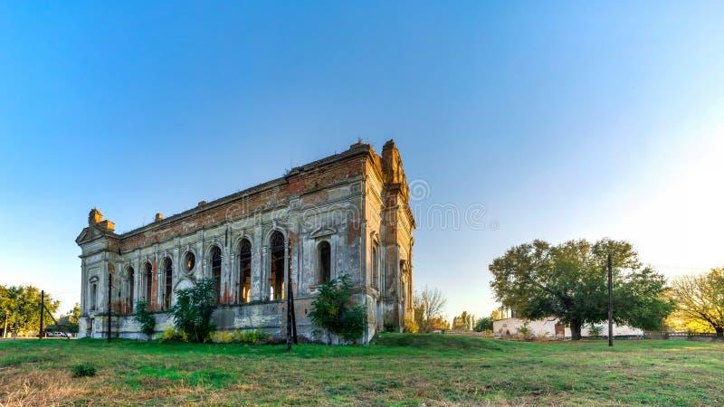 Église catholique abandonnée de Zelts, Ukraine images libres de droits