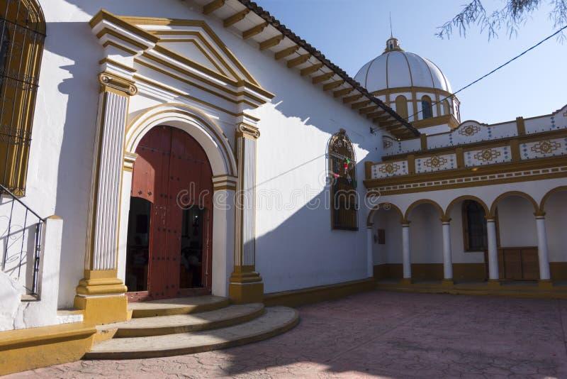 Église catholique coloniale dans Chiapas photo libre de droits
