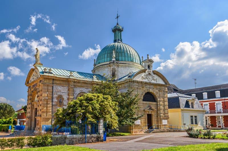 Église catholique Saint-Vincent de Paul du Berceau construit dans le style bizantin de renaissance dans la commune avec le même n image stock