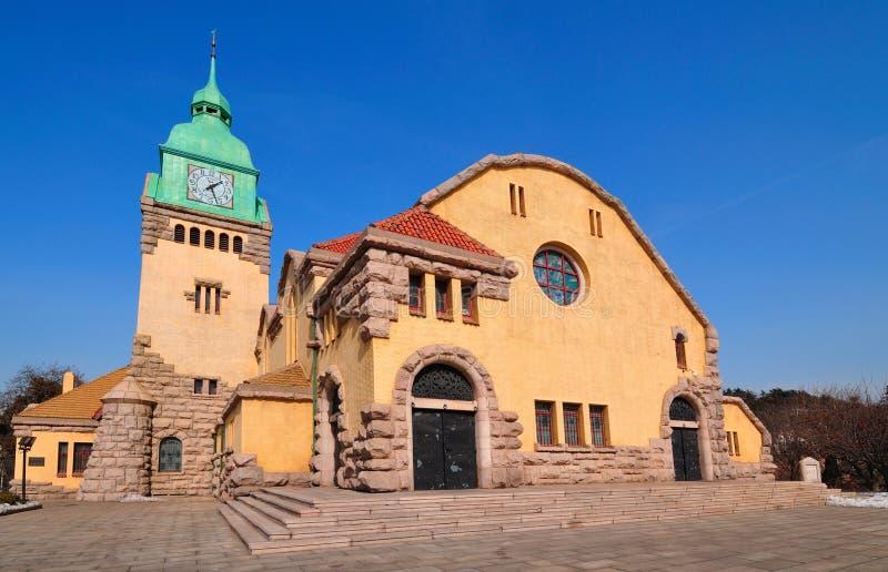 Église chinoise dans la ville de Qingdao image libre de droits