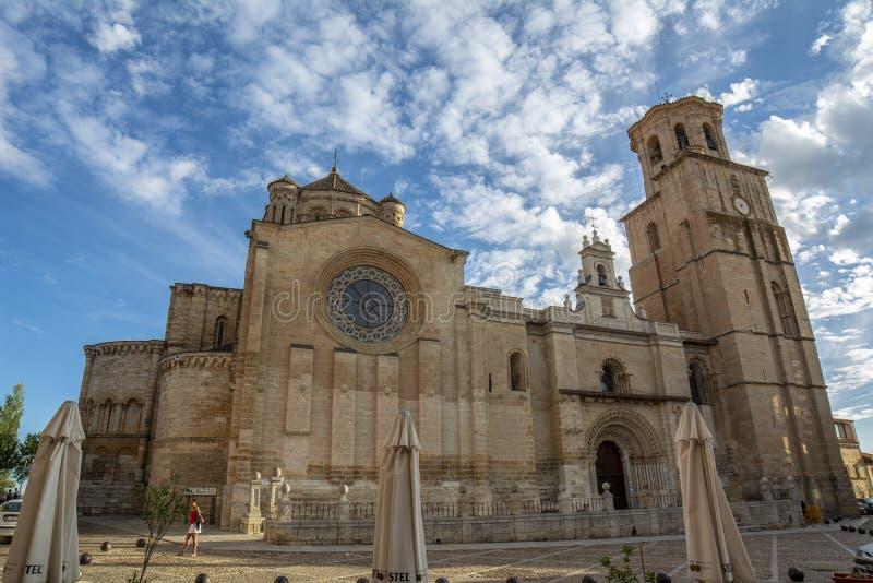 Église collégiale de Santa Maria Maggiore dans la province de taureau de Za photographie stock libre de droits