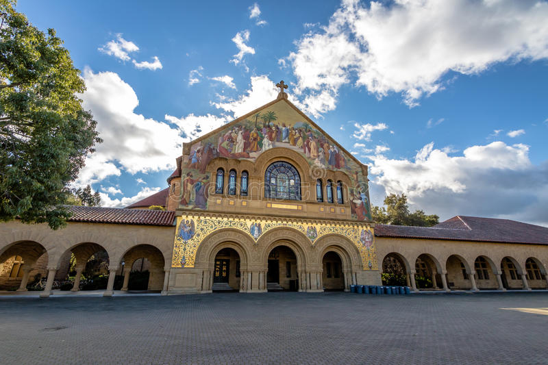 Église commémorative dans le quadruple principal de Stanford University Campus - Palo Alto, la Californie, Etats-Unis photo libre de droits