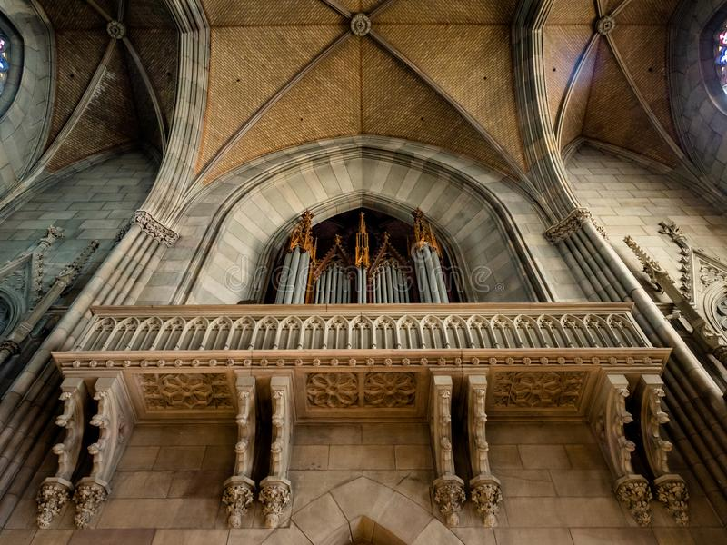 Église d'Elisabeth à Bâle, vue intérieure, architecture majestueuse photos libres de droits