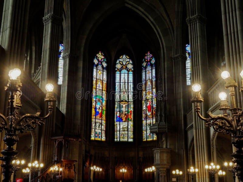 Église d'Elisabeth à Bâle, vue intérieure, architecture majestueuse images libres de droits