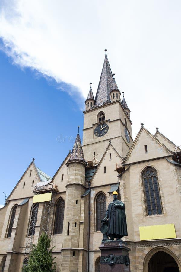 Église D Evanghelical à Sibiu Sous La Restauration Image stock