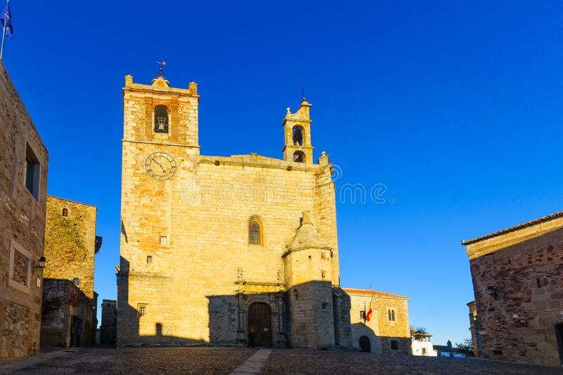 Église d'Iglesia De San Mateo, à Caceres photo stock