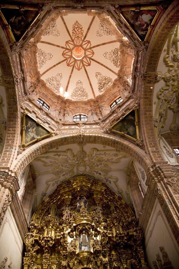 Église d'or Mexique de Valence d'autel de dôme photographie stock libre de droits