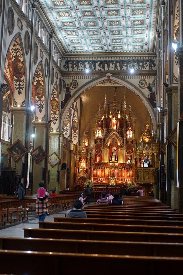 Église dans Banos photographie stock libre de droits