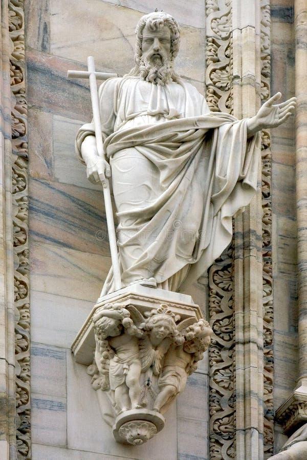 Download église Dans La Croix D'ange De Milan Image stock - Image du moustache, église: 56488055