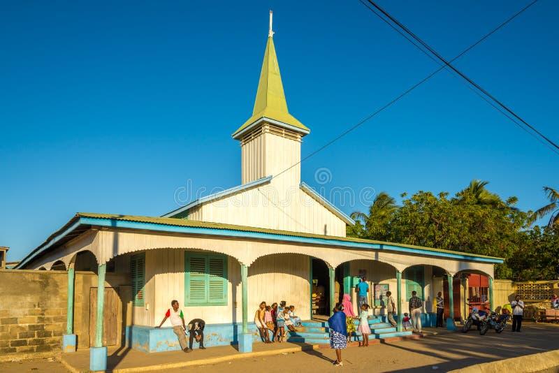 Église dans la ville de Morondava photographie stock libre de droits