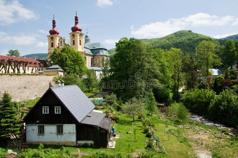 Église dans le Hejnice, République Tchèque photo libre de droits